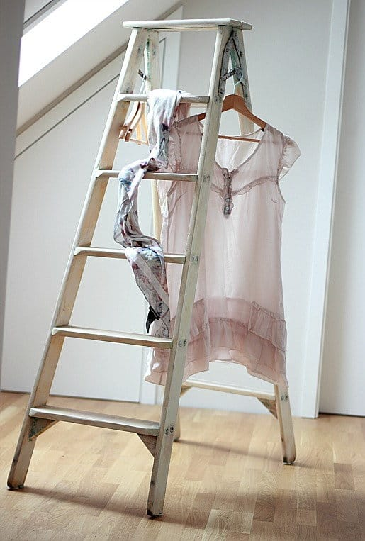 This old wooden vintage step ladder could also be repurposed to use in the bathroom as a towel rack or in the lounge or kitchen as decoration or bookshelves. Painted with Annie Sloan Chalk paint this creative DIY project fits in with various styles of home decor, including a 'farmhouse', 'shabby chic', or 'country cottage' style. Find this and more inspirational ideas on over on the blog. Why not come over and take a look? #homedecorideas #DIYladderideas #repurposedladder #vintageinspiration