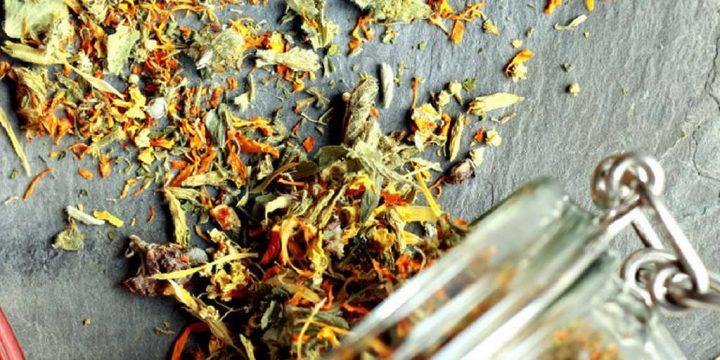 Immune boosting herbal tea - How to make it for free, tea in glass www.chalkingupsuccess.com