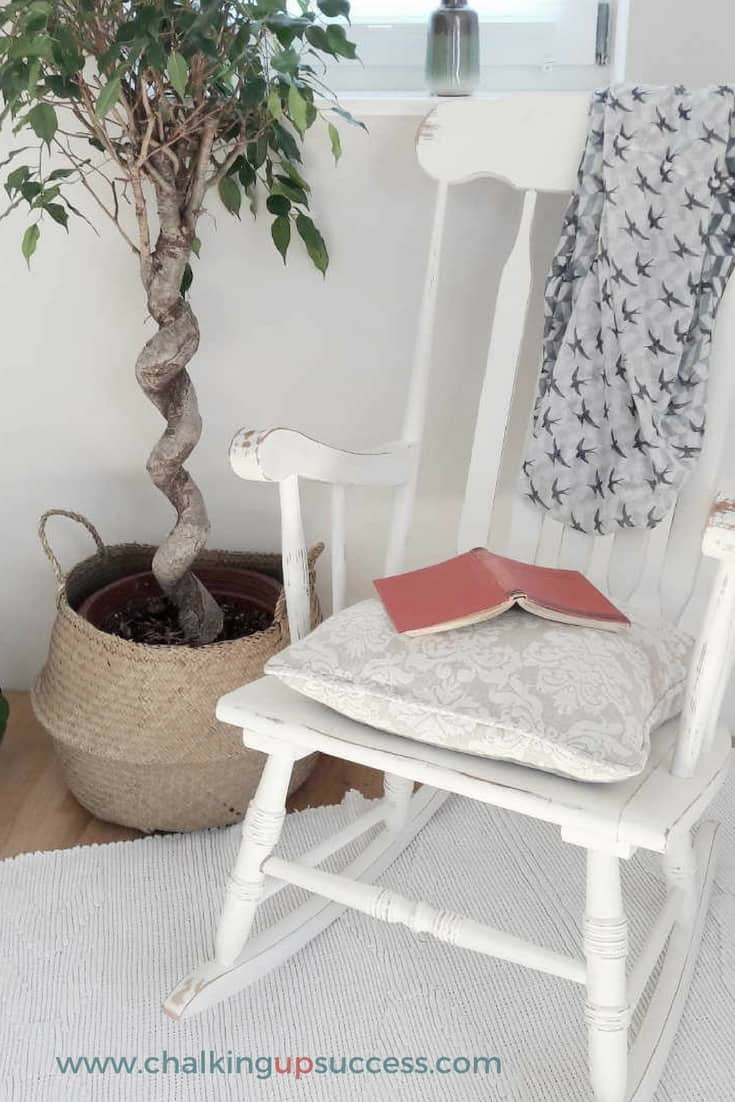 Second-hand furniture doesn't have to be boring! Just look at this DIY rocking chair makeover using Annie Sloan Chalk Paint. There's even a free guide which shows you how to transform your home with second-hand furniture in 10 easy steps - Gotta have it!
