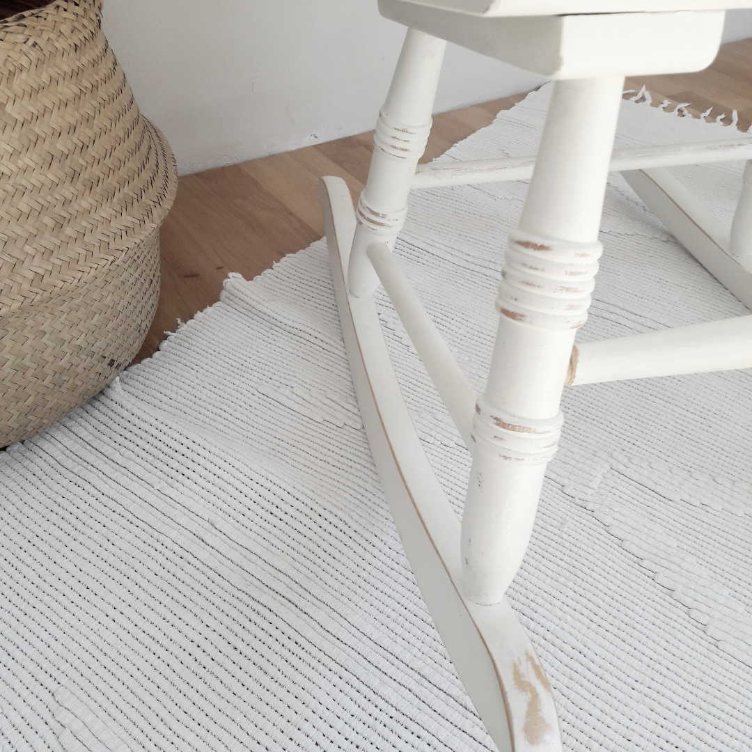 DIY Rocking chair makeover using Annie Sloan Chalk Paint