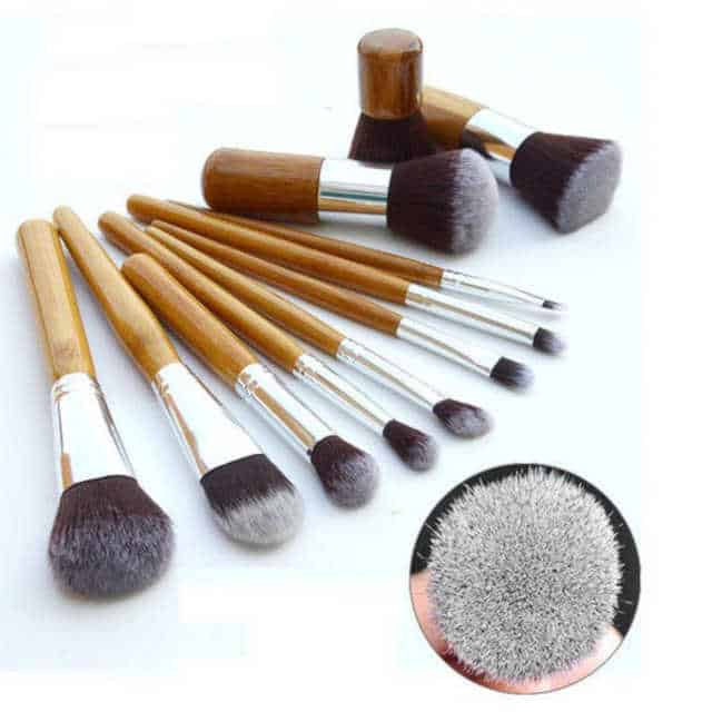 How to give a thoughtful gift that won't end up at Oxfam! Don't just give 'something' for the sake of giving. Here are some stylish eco friendly gift ideas that show you care about her AND the planet.. Gorgeous set of make up brushes made from Bamboo.11 Brushes in all from large power brushes to small eye shadow and lip brushes.