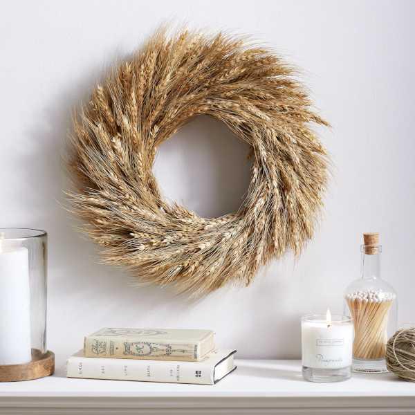 Round wheat wreath