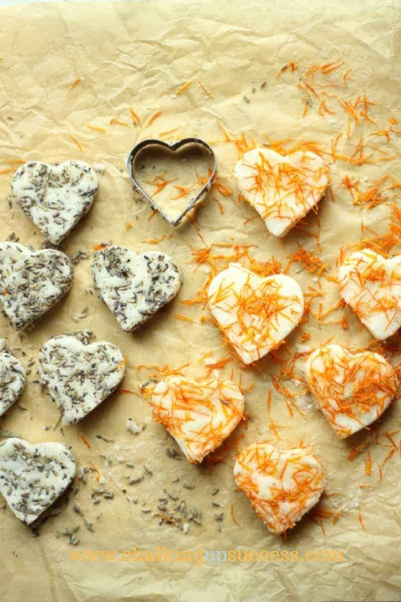 Two types of bathbombs made into hearts. Half are lavender and the other half are calendular - crafts and DIYs for adults and teens
